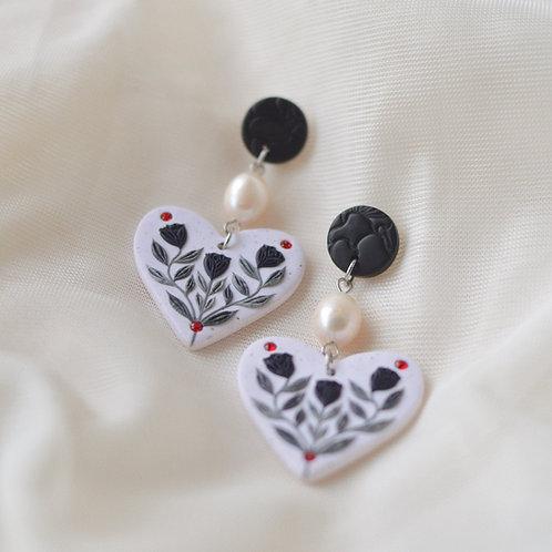 PREORDER Pearl & Floral Heart Earrings (Black)