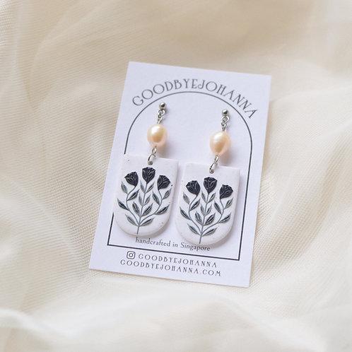 Black Floral Pearl Earrings Stainless Steel