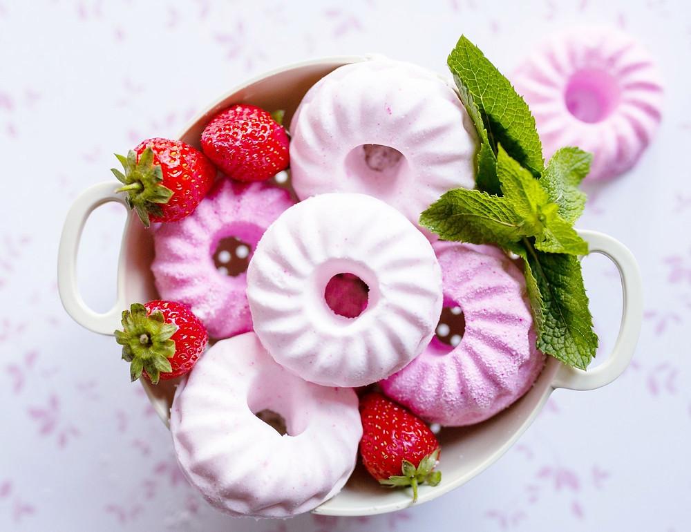 Starberries & Cream Bathbombs- mini EARTHLINGS