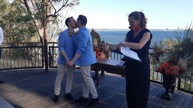 Thursday afternoon Kings Park Elopement