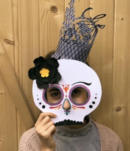 atelier des masques et coiffes façon Calavera