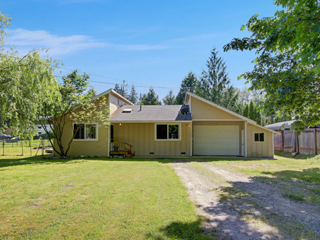 The Perfect Starter Home on 1/4 Acre Lot!
