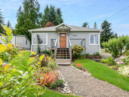 The Perfect Starter Home in Shoreline | Jess & Julie Lyda 425-487-3001
