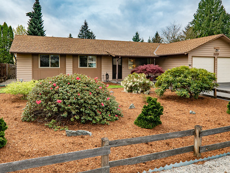 Hot new listing in Kirkland | Open House Saturday 12-3 pm.