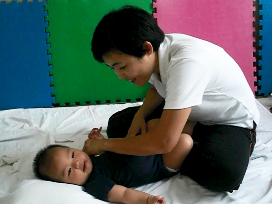 Baby tummy massage