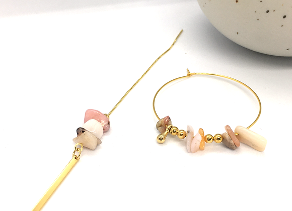 Boucles d'oreille asymétriques et destructurées