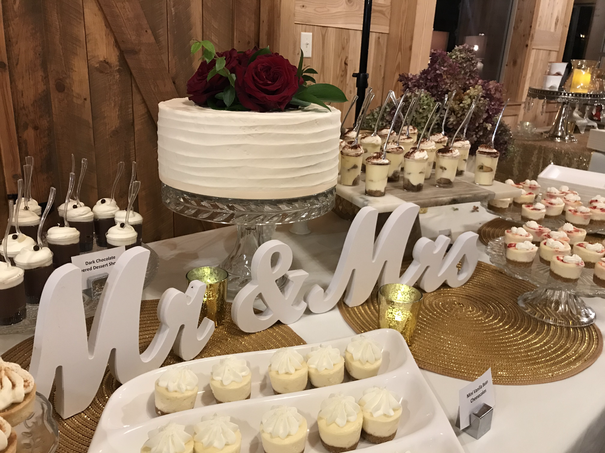 Lila Buffet Styling Barn Wedding (6).HEI