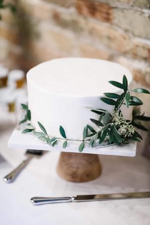 Lila Buffet Styling Wedding Cake.JPG