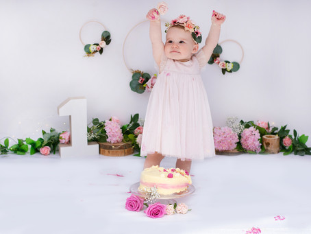 WestSussex Photographer, Cake Smash, 12months, pink!