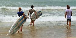 sri lanka surf in beach 1