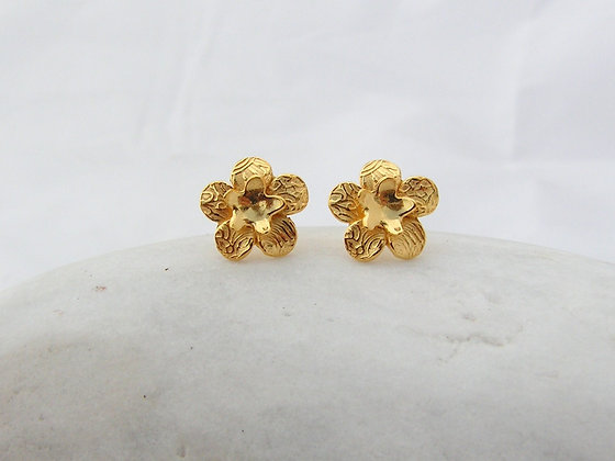 Small flower studs silver or gold