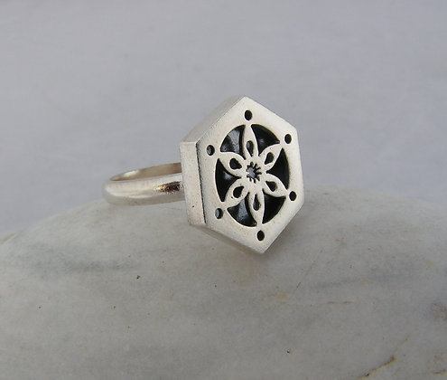 Stained glass window ring