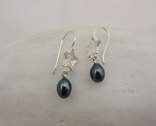 Wee starfish earrings with pearl