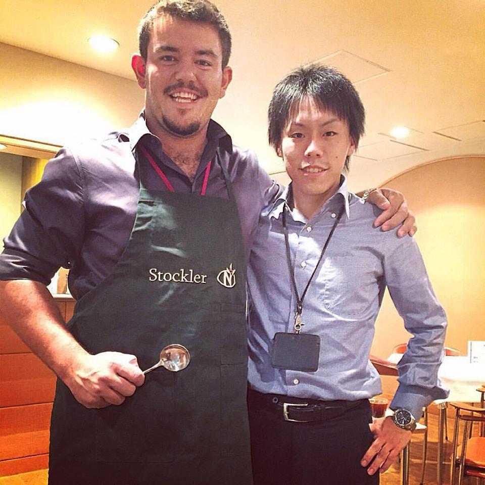 Elder Moscardini em uma degustação de café no Japão