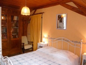 La Maison du Passant - chambres d'hotes et roulotte à chouze sur loire : photo de la chambre numéro 1
