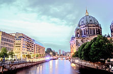 berlin-cathedral-1882397_1920.jpg