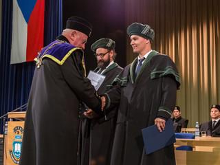 Slavnostní promoce studentů oboru Prostředí staveb a TZB (Bc.) v roce 2018
