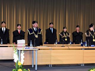 Slavnostní promoce studentů oboru Prostředí staveb a TZB (Bc.) v roce 2020