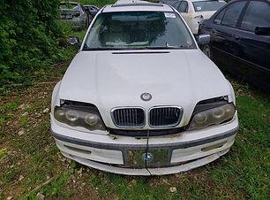 BMW 323i 1999.jpg