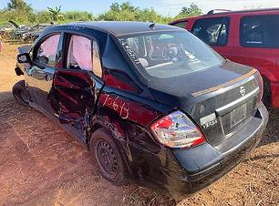Nissan Versa 2011.JPG