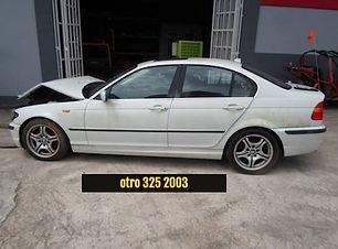BMW 330i 2004.jpg