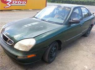Daewoo Nubira 2000.jpg