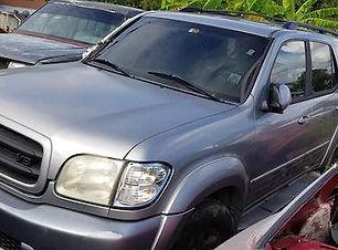 Toyota Sequoia 2004.jpg
