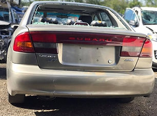 Subaru Legacy 2000.jpg