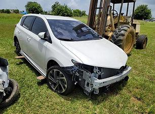 Toyota IM 2017.jpg