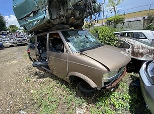 Chevrolet Astro 2004.HEIC