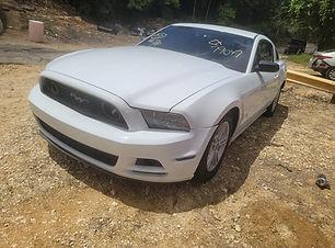 Ford Mustang V6 2014.jpg
