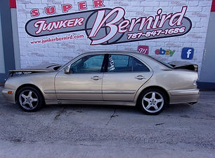 Mercedes Benz E320 2001.jpg