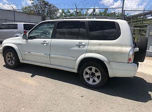 Suzuki XL7 2002.JPG
