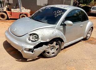 Volkswagen Beetle std 2001.jpg