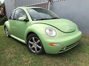 Volkswagen Beetle 2004.jpg