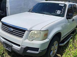 Ford Explorer 4x4 2006.jpg