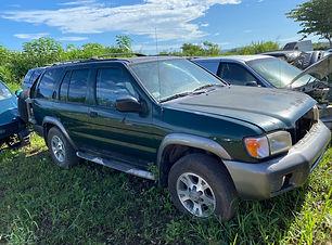 Nissan Pathfinder 2001.jpg