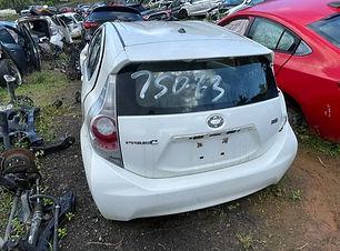 Toyota Prius C 2014.jpg