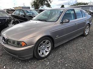 BMW 525i 2003.jpg