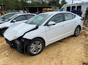 Hyundai Elantra 2020.jpg