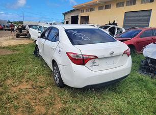 Toyota Corolla 2015.jpg