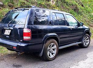 Nissan Pathfinder 2004.jpg