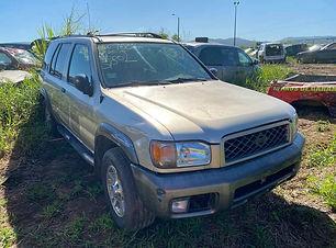 Nissan Pathfinder 2000.jpg