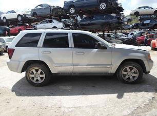 Grand Cherokee 2010 2.jpg
