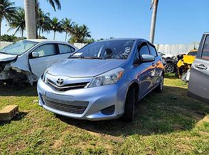 Toyota Yaris 2014.jpg