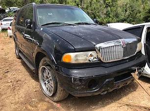 Lincoln  Navigator 2005.jpg