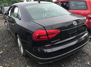 Volkswagen Passat 2016.jpg