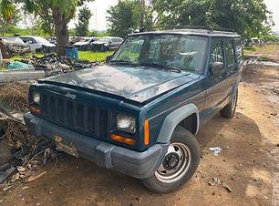 Jeep Cherokee 1997.jpg