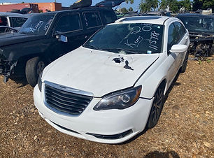 Chrysler 200 2013.jpg