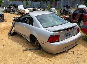 Ford Mustang 2004.jpg